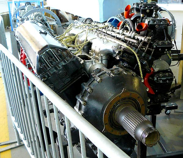 09 Packard Merlin V-1650-7 V-12 Aircraft Engine
