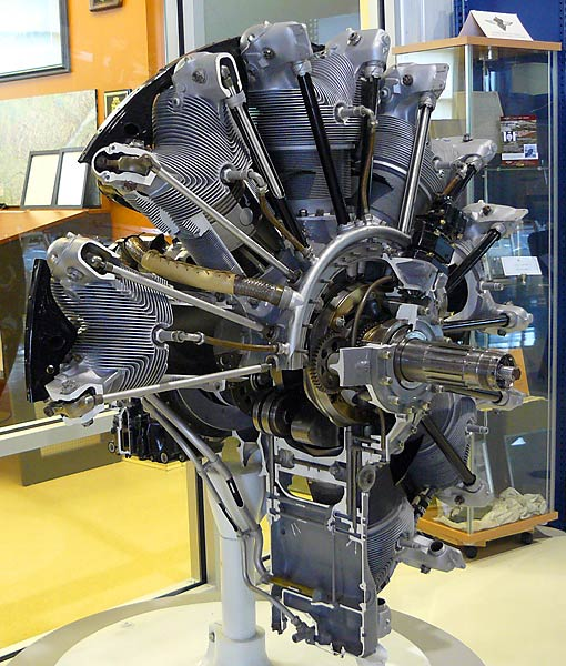 09 Pratt & Whitney R1340 Wasp Radial Engine